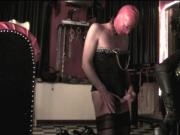 Mia - Domina Hamburg - Sklave Elvira