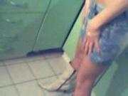 Alexandra tarfa din Pantelimon se dezbraca in bucatarie
