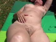 bronzage nue