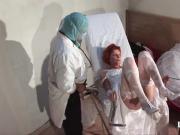 La vieille mariee se fait defoncee le cul chez le gyneco