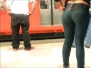 PHAT ASS WAITING FOR THE SUBWAY