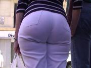 big booty pear shape in white jean
