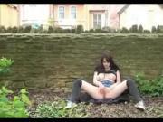 Amateur -Big Naturals Brunette Babe Outdoor Exhibition & Pee