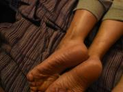 Cumshot in the wrinkled soles of my wife
