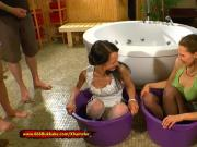 Queen Viktoria and Hottie Aymie Piss Freaks - 666Bukkake