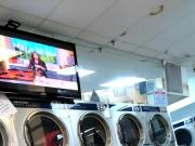 Mature Spanish phat pink ass in the laundrymate