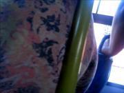 Leg rosa massageando o ferro bus