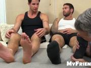 Seductive freaky hunks toes sucked by a perverted man