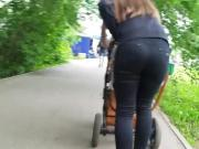 russian young mom with big ass.mp4