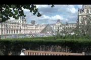 Public - public sex at the Louvre museum in Paris