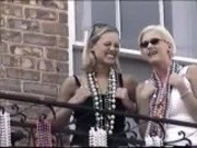 Mardi gras - Two cuties flasing their titties