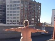 Flashypink naked on roof in LA 2
