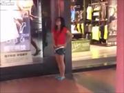 Pajeandose en la calle