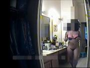 Ebony babe: Short clip in bathroom spy cam
