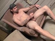 American dude working on his long dick until it sprays cum