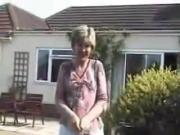 UK Sara - A Day in the Garden!