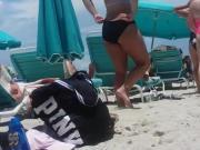 Candid a few nice asses on Miami Beach. Slo-MO