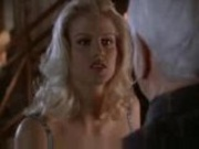Anna Nicole Smith - Naked gun