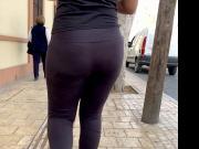 Super Jiggle Bouncing Booty . Latina Ass Walking Leggings