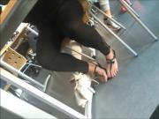 Capture de pieds de salope en sandales
