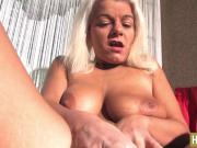 Gina and her dildo