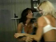 Catfight in bras