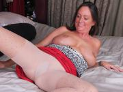 American milf Brandi Smith works her needy pussy