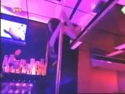 Yolanthe Sneijder-Cabau lap dance