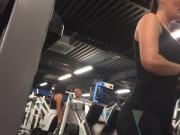 Hot gym chick