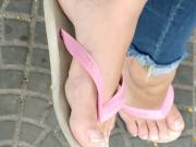 candid feet - teen feet