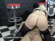 Samantha Sanders bounces on his cock