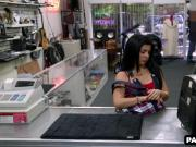 Hot Latina babe selling her TV off to the pawn shop