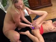 Wet pussy dildoing in lesbian piss action