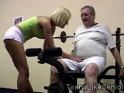 Beautiful college blondie sucks off old coach at the gym