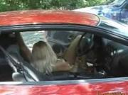Sexy blonde babe analized in car