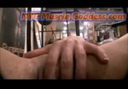 Nyc muscle goddess playing with her huge clit