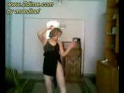 Sexy dancer arab