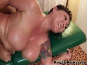 Claire Dames loves rough massage drilling