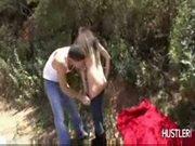 Alex gonz fazendo um sexo gostoso na floresta - www.tvbuceta
