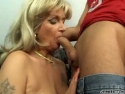 Milf Sophie Loves Pussy-to-mouth Action - DMilf