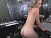 Petite Dyke Aurora Belle Makes Love With Tali Dova In Music Studio