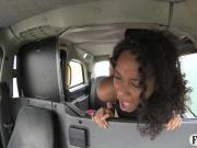 Sexy Ebony babe sucks and fucks in taxi to off her fare