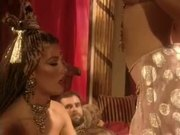 Gorgeous Holly Body In Harem Threesome!
