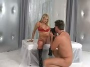 Vicky Vette Takes The Control Of The Situation