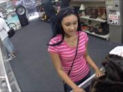 Pretty amateur pawns her twat and fucked at the pawnshop