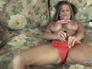 Leeanna Heart is playing with her dildo