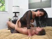 Horny MILF Isabella Takes This Ride Seriously