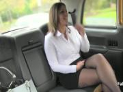 Taxi driver licking mature pussy