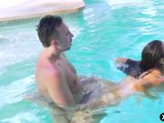 Stacked MILF Nikki Benz hardcore anal fucking poolside
