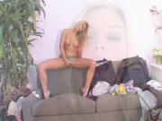 Nikki Jayne Skanks Up